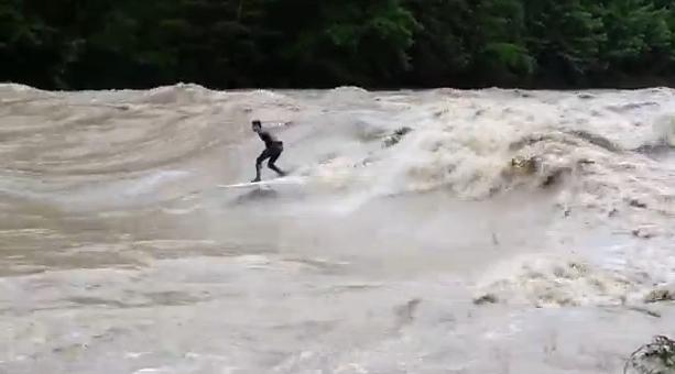 surfen op rivier zwitserland