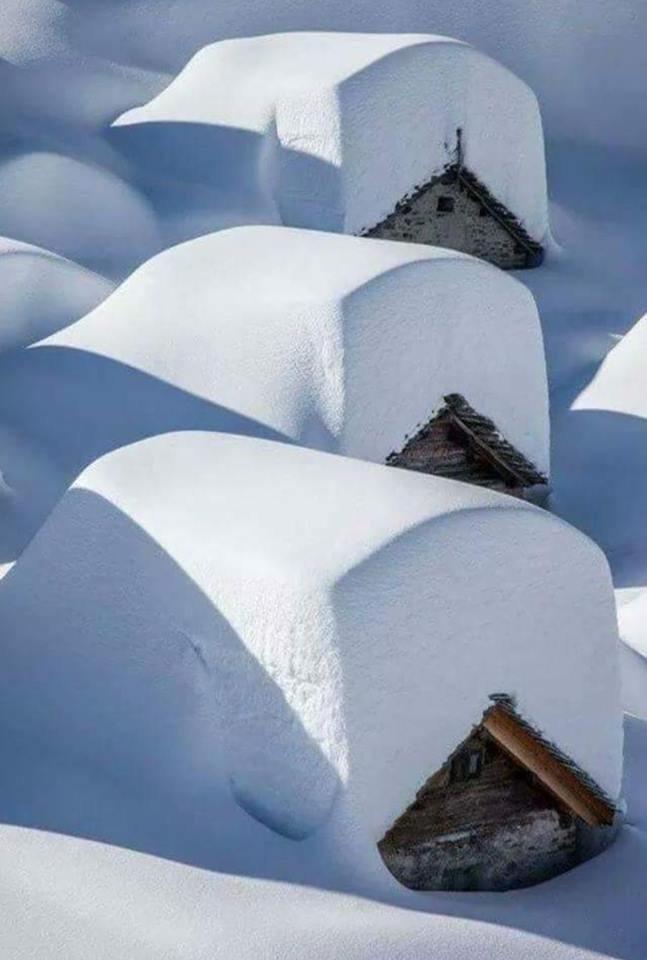 sneeuw op daken