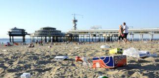 vuil op het strand