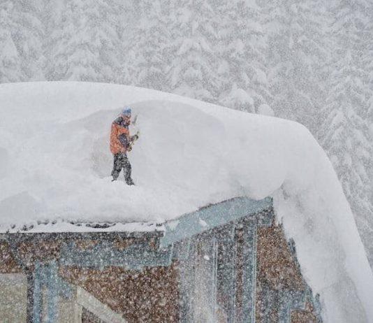 Daken sneeuwvrij maken