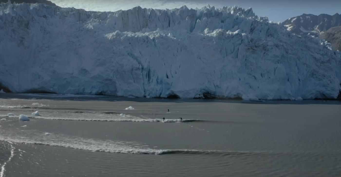 surfen op golven van gletscher