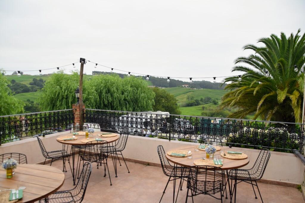 Ontbijt of diner op het terras